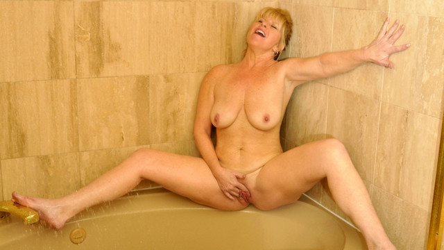 Big titted mature Dawn